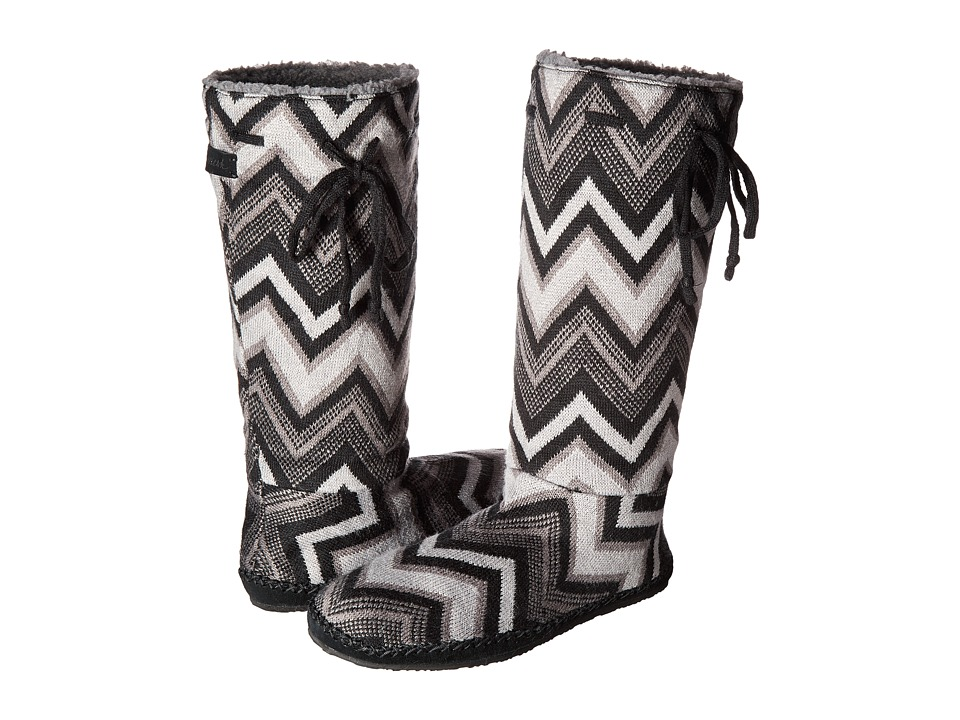 Sanuk - Snuggle Up (Black Multi Chevron) Women's Pull-on Boots