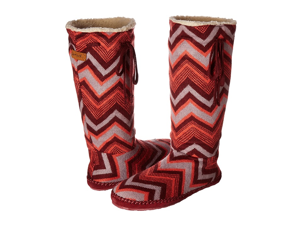 Sanuk - Snuggle Up (Burgundy Multi Chevron) Women's Pull-on Boots