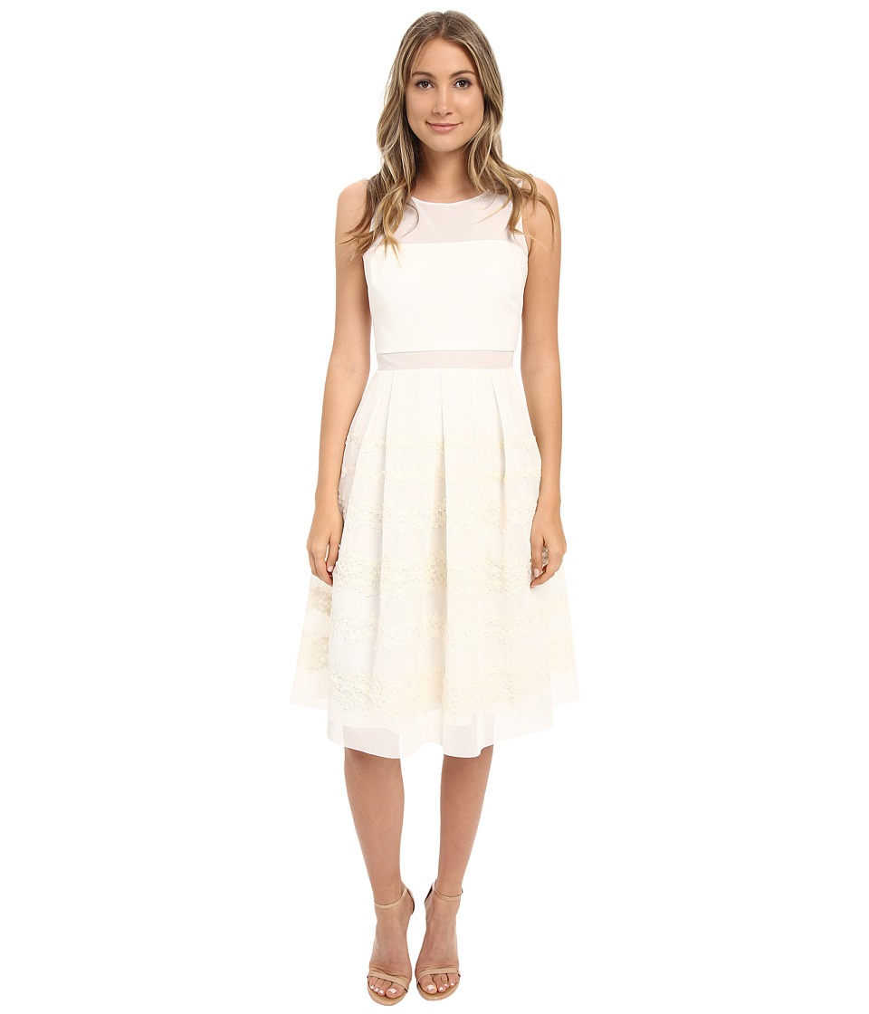Badgley Mischka Boat Neck Pleated Floral Dress (Ivory) Women
