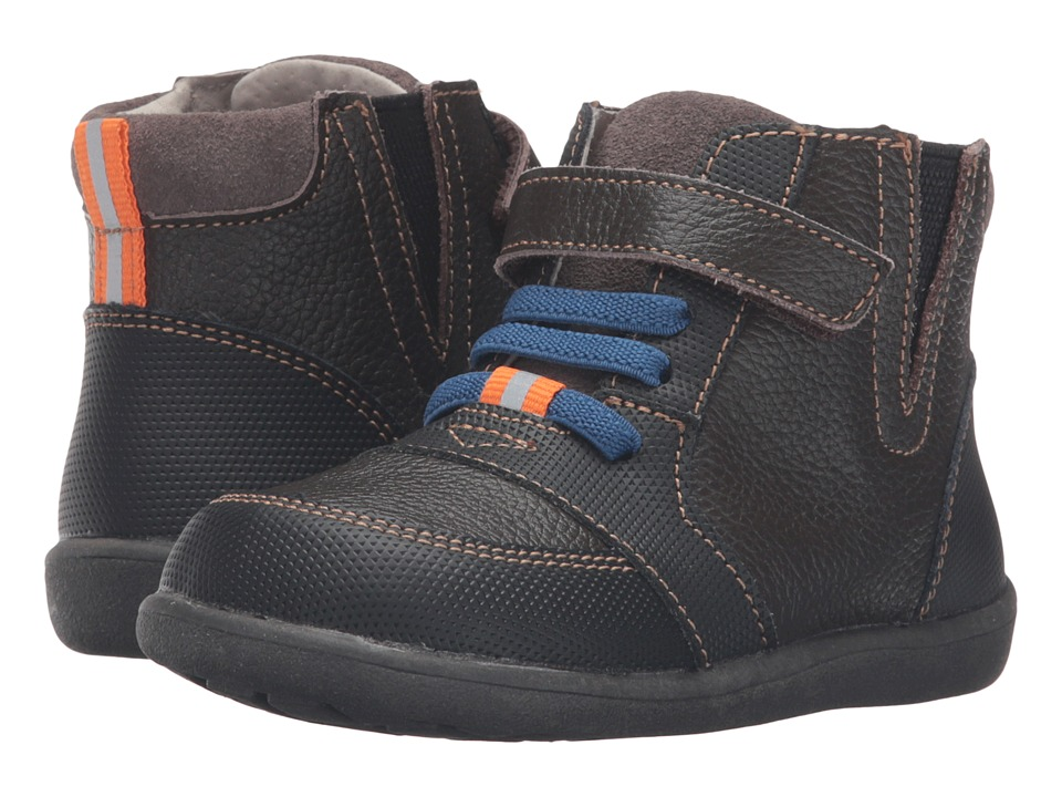 See Kai Run Kids - Ian (Toddler) (Brown) Boy's Shoes