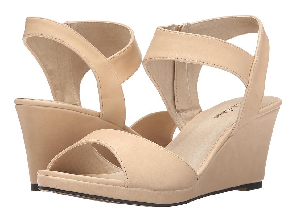 Michael Antonio - Giota (Natural) Women's Shoes