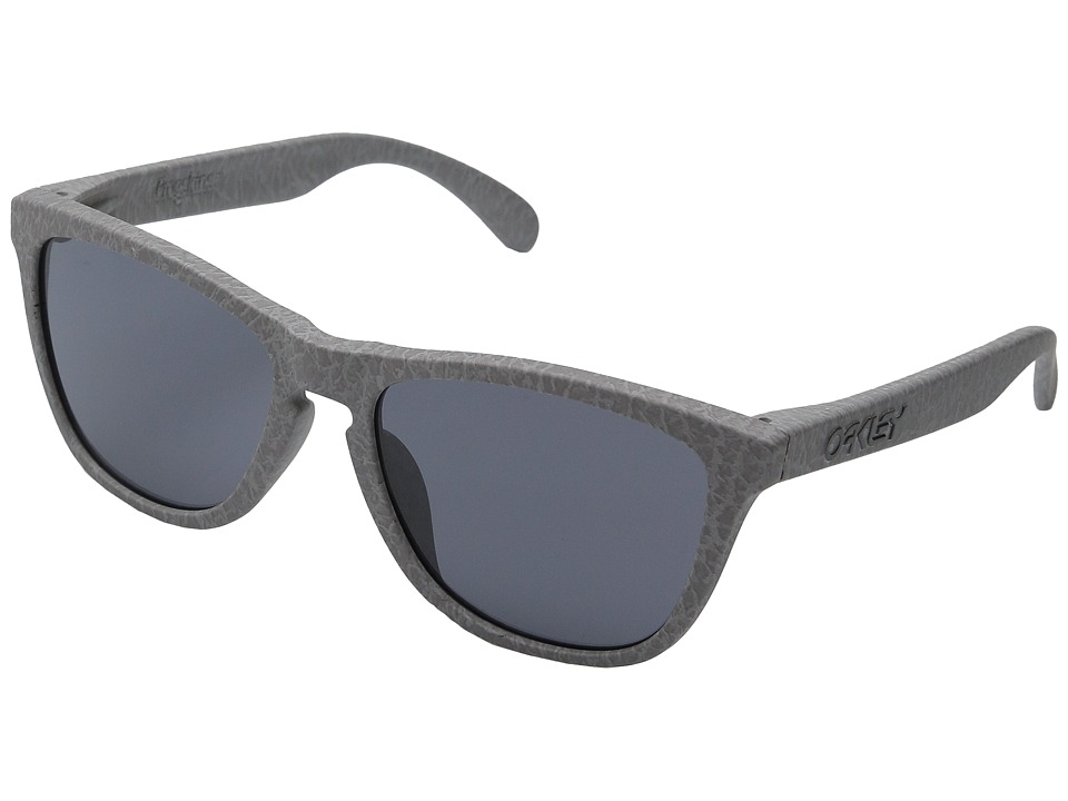 Oakley - (A) Frogskins (Smoke/Grey) Plastic Frame Fashion Sunglasses