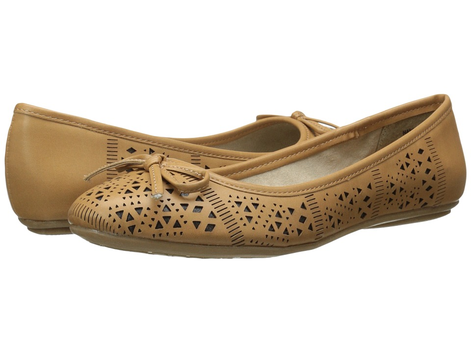 CL By Laundry - Hannah (Camel) Women's Slip on Shoes