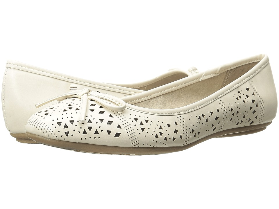 CL By Laundry - Hannah (Cream) Women's Slip on Shoes