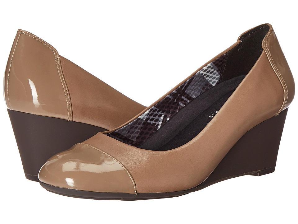 Naturalizer - Necile (Dover Taupe Leather/Shiny) Women's Wedge Shoes