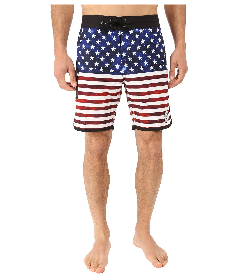 Vans - Mixed Scallop Boardshorts (Americana) Men's Swimwear