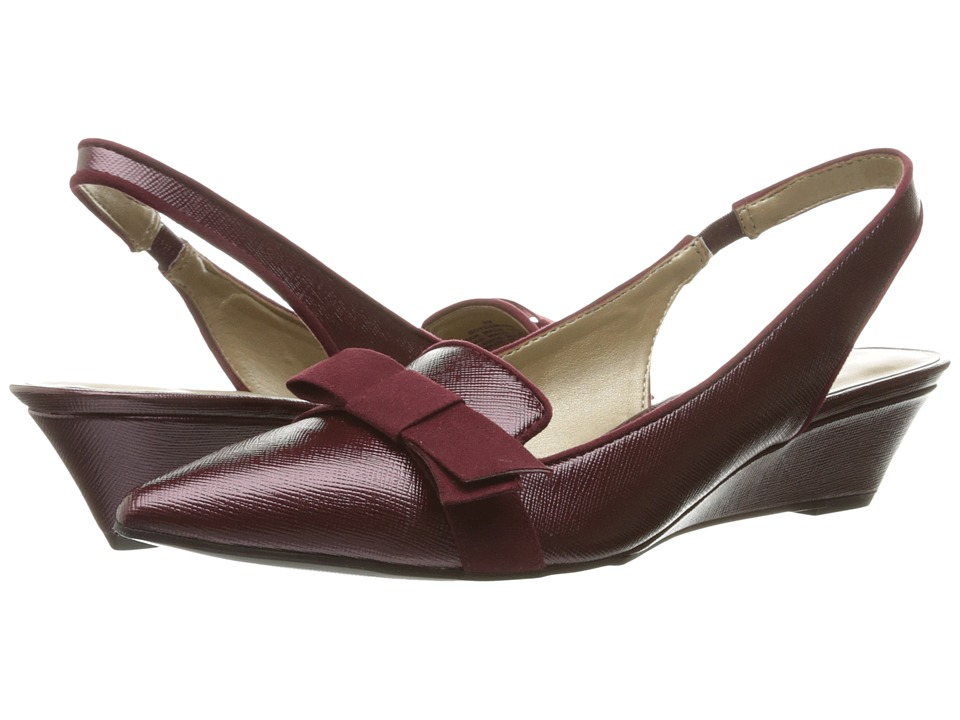 Bandolino - Yesminna (Wine/Wine) Women's Wedge Shoes