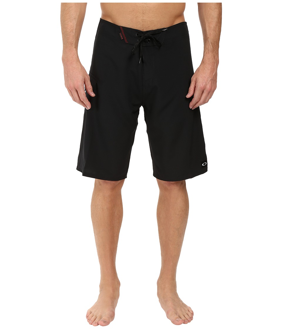 Oakley - Fiji Cargo 21 Walkshorts (Jet Black) Men's Shorts