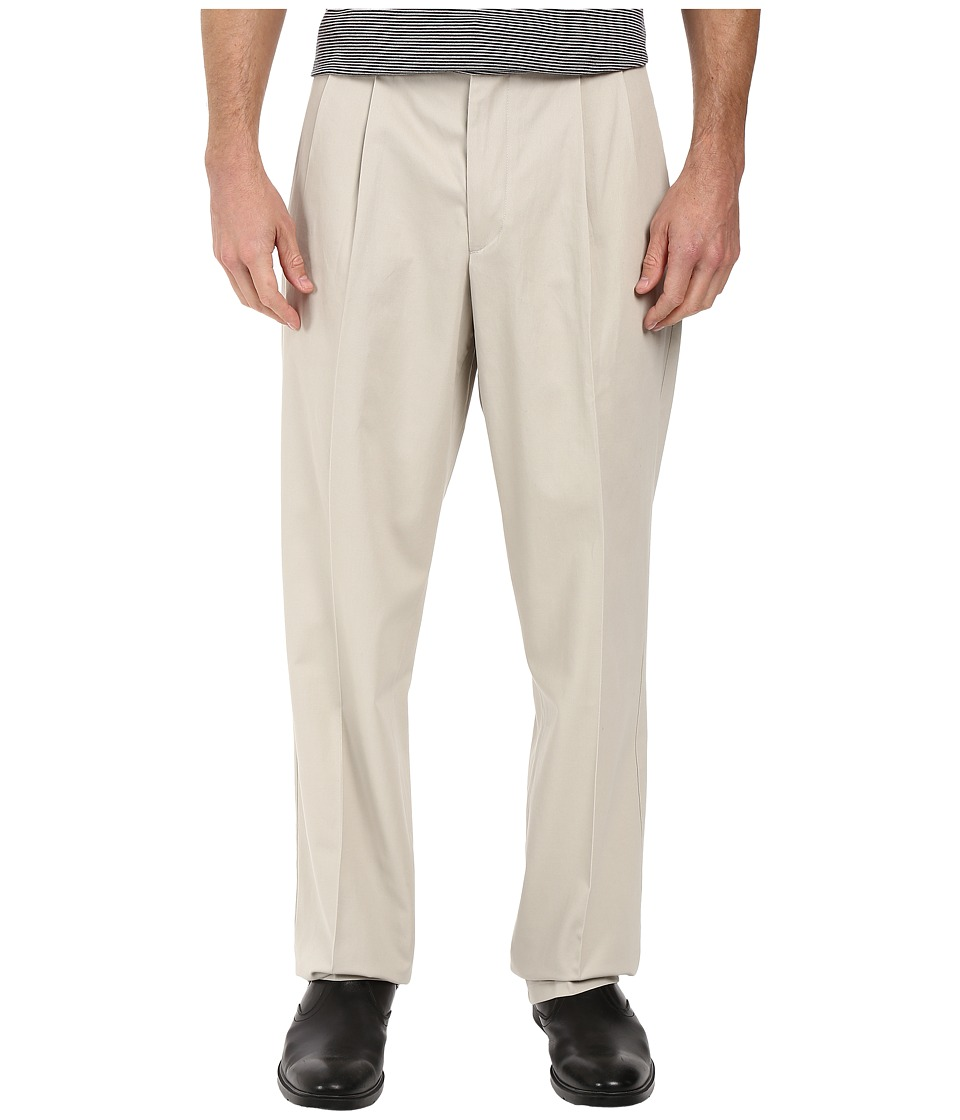 Dockers - Signature Khaki D4 Relaxed Fit Pleated (Cloud Stretch) Men's Casual Pants