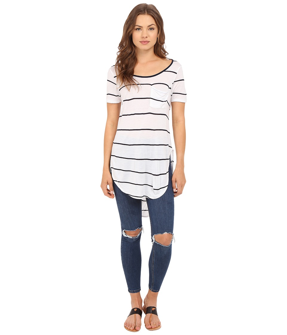 Culture Phit - Ada Round Neck Top with Pocket (Navy/White) Women's Clothing
