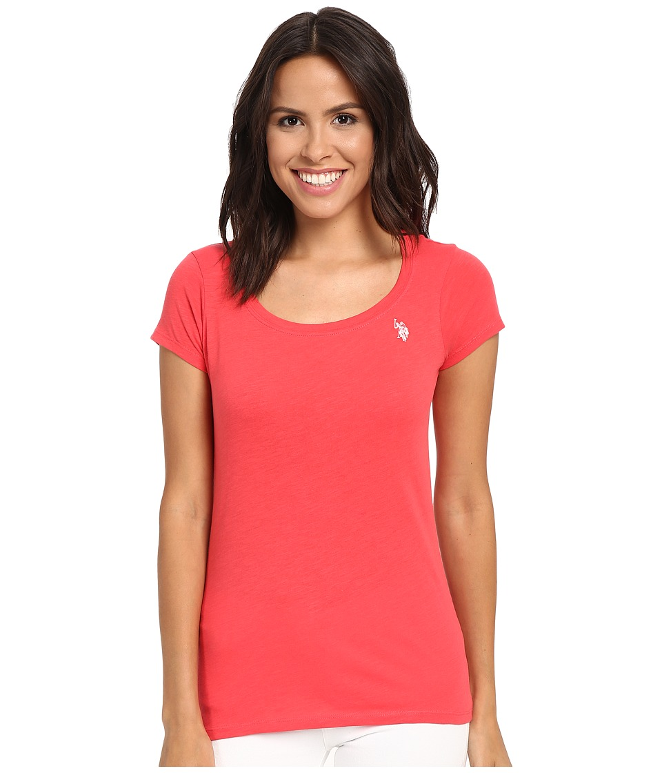 U.S. POLO ASSN. Scoop Neck Solid T-Shirt (Hibiscus) Women