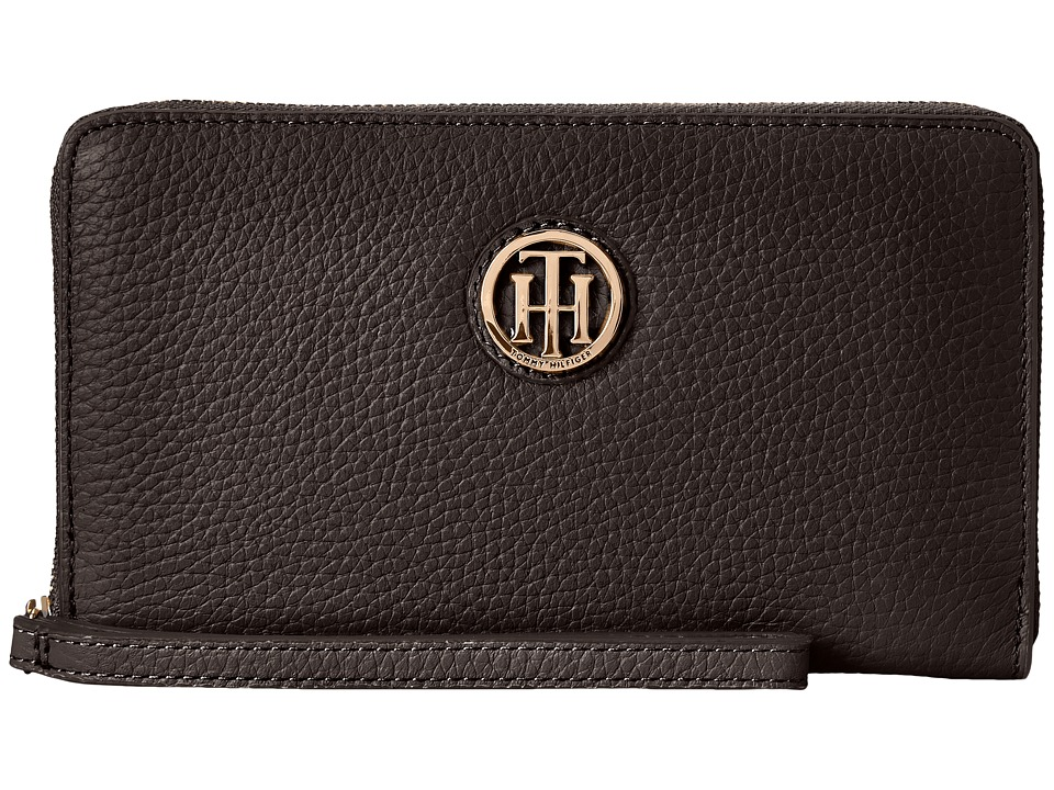 Tommy Hilfiger - TH Serif Signature - Carryall Wristlet (Black) Wristlet Handbags