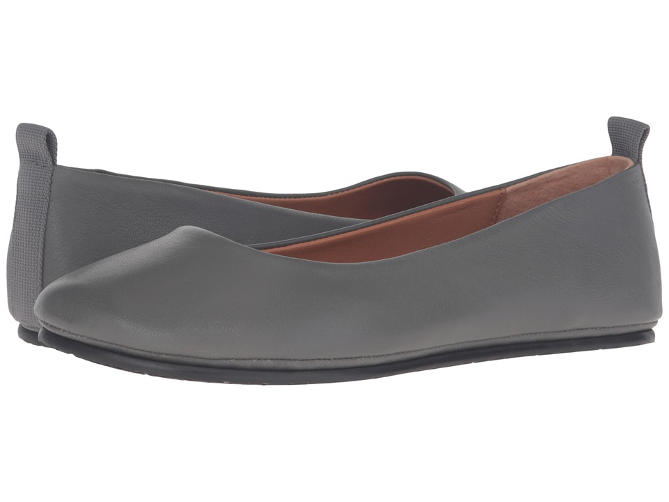 Gentle Souls - Dana (Graphite) Women's Flat Shoes
