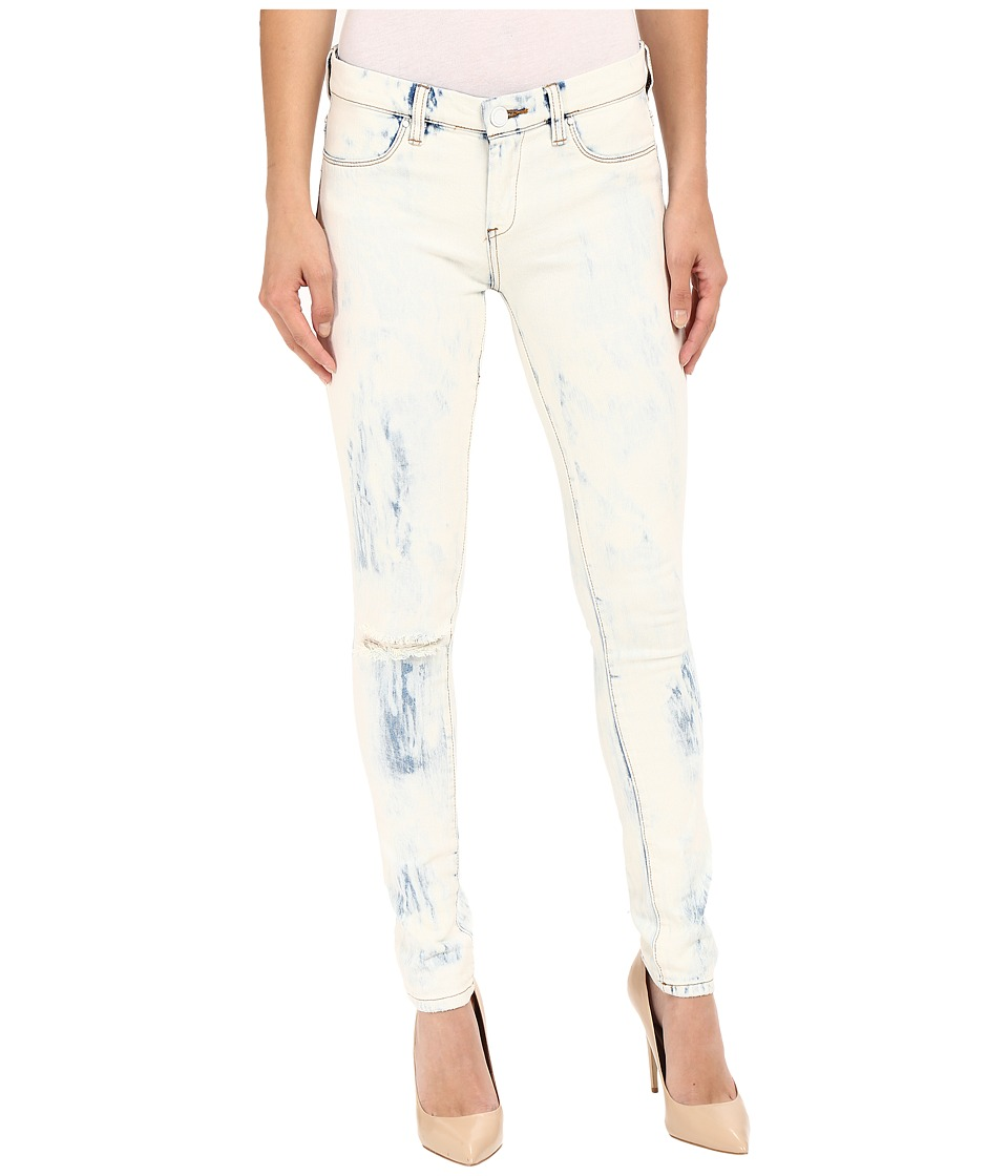 Blank NYC - Spray On Washed Out Skinny Jeans in Instant Karma (Blue/White) Women