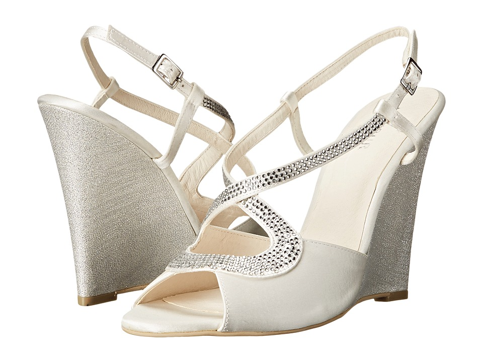 Menbur - Maria Del Mar (Ivory) Women's Wedge Shoes