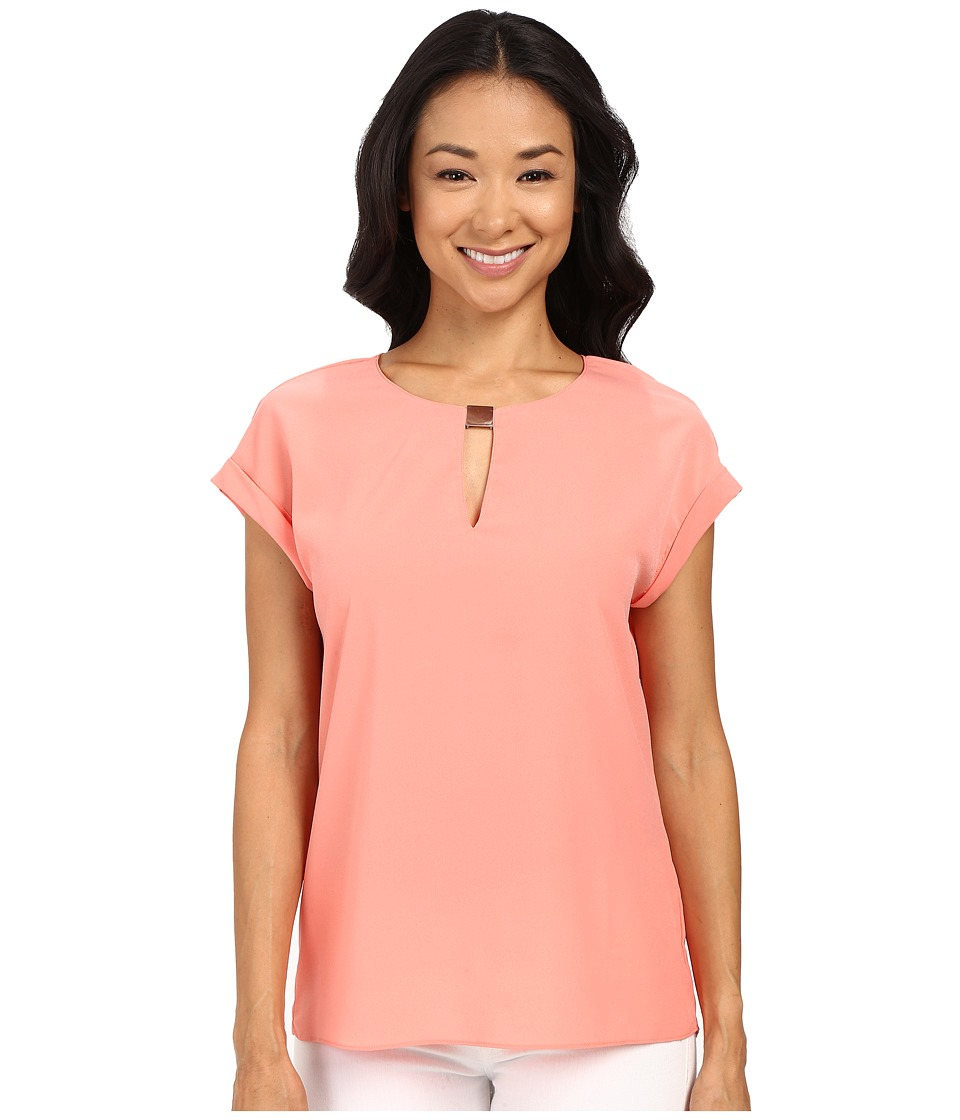 Ellen Tracy - Hardware Keyhole Shell Top (Coral Rose) Women's Clothing