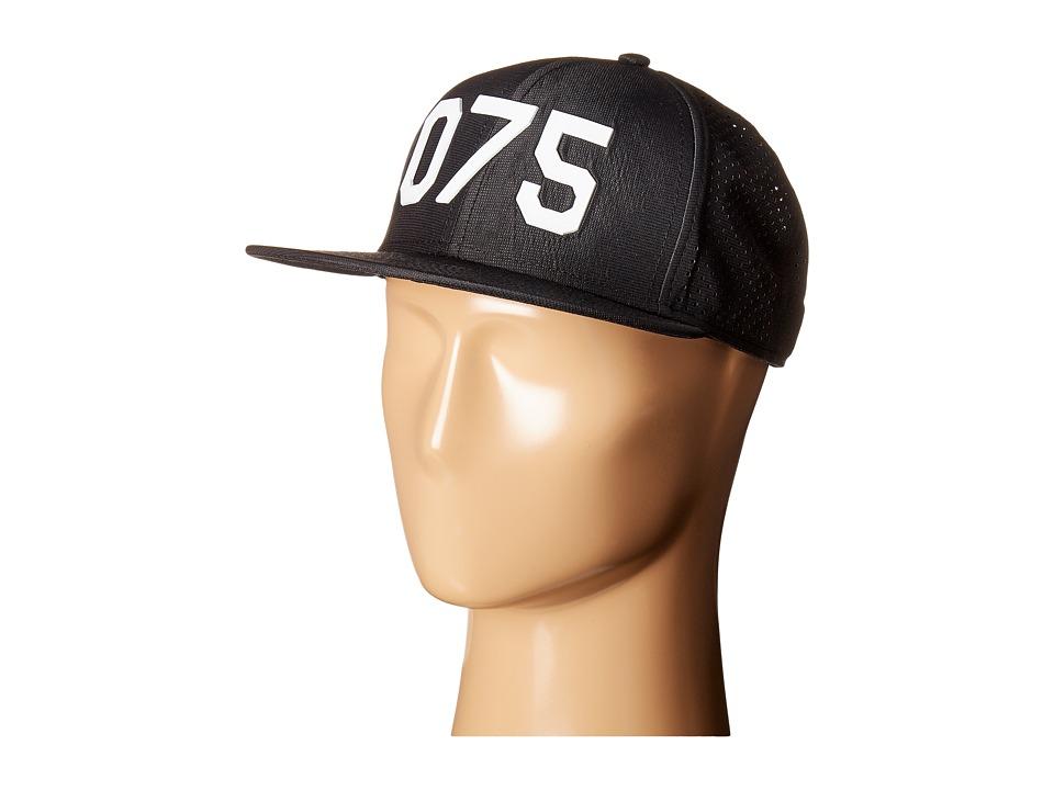 Oakley - Oakley Perf Hat O75 (Black/White) Caps