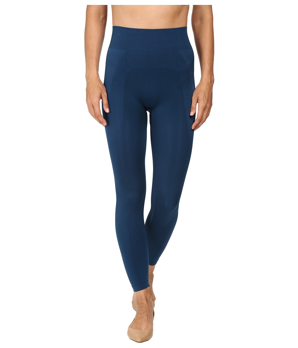 HUE - Seamless Shaping Capris (Insignia Blue) Women's Capri