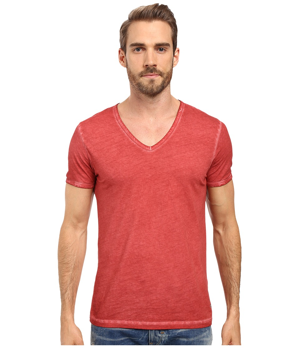 BOSS Orange - Toulouse Fashion Fit Garment Dyed Jersey V-Neck Tee (Red) Men's Short Sleeve Pullover