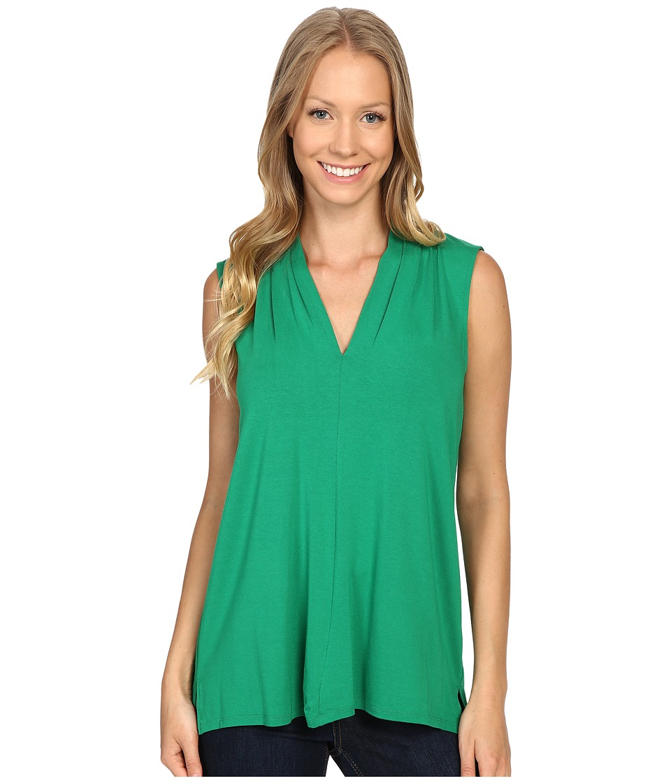 Vince Camuto - Sleeveless V-Neck Top (Green Pulse) Women's Clothing