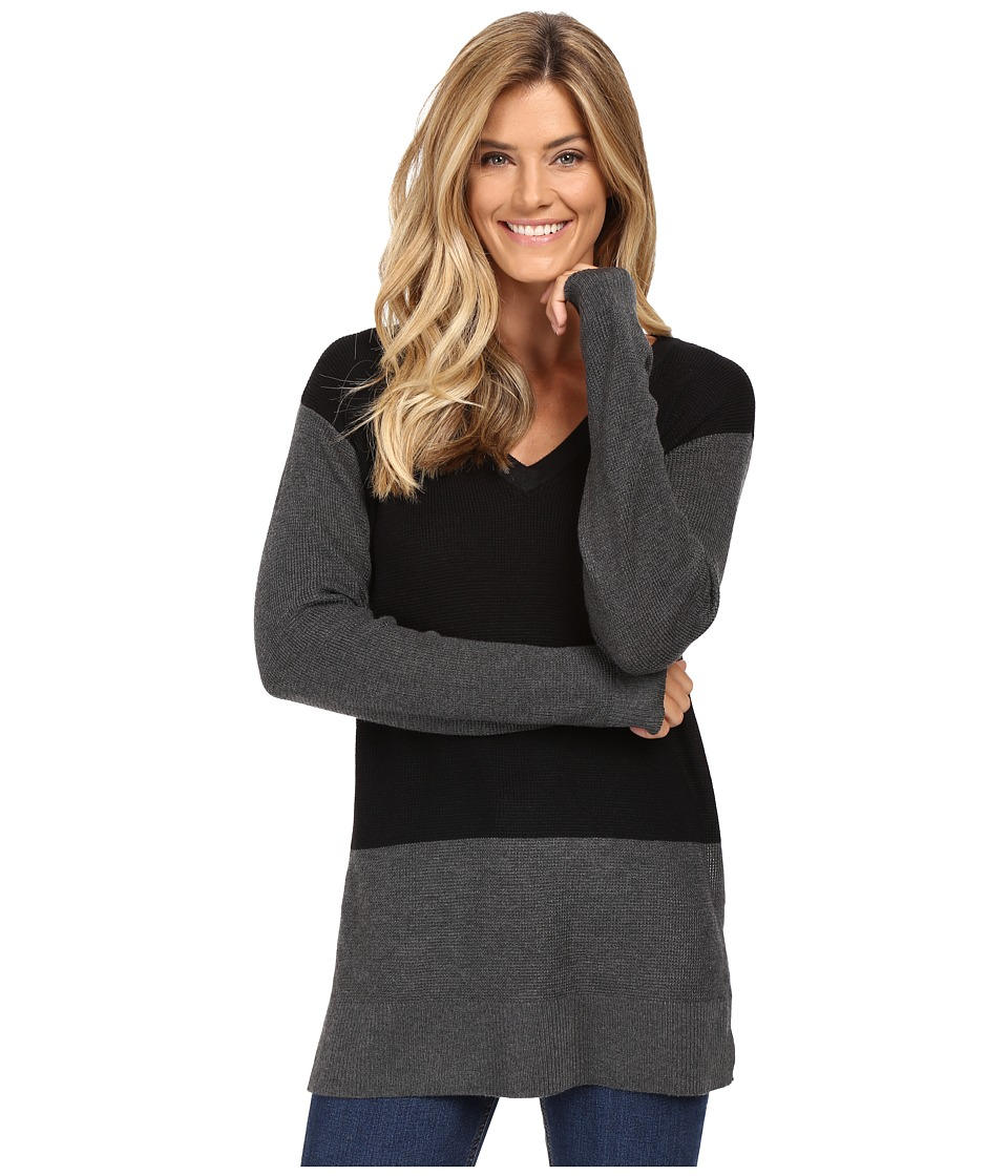 Vince Camuto - Long Sleeve V-Neck Waffle-Stitch Color Block Sweater (Rich Black) Women's Sweater