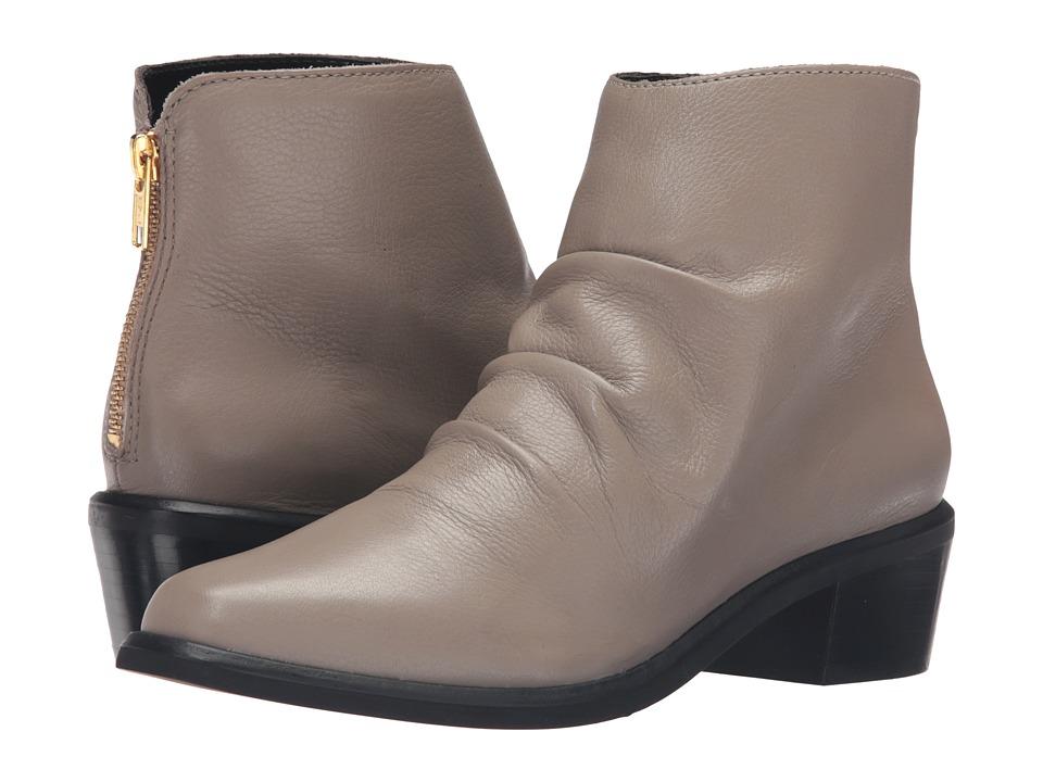 M4D3 - Austin (Taupe) Women's Shoes