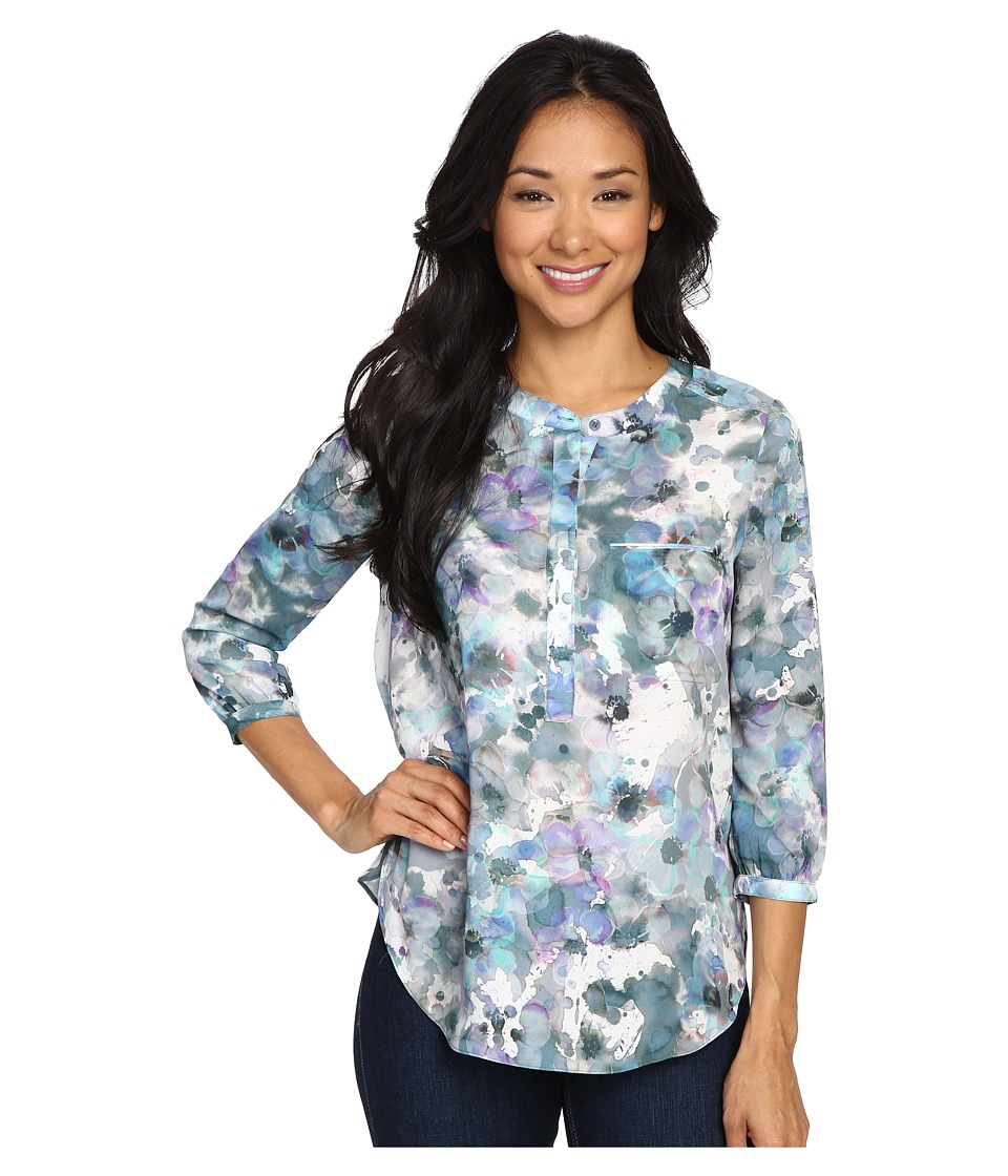 NYDJ Petite - Petite Solid 3/4 Sleeve Pleat Back (Winter Front Petals) Women's Long Sleeve Pullover