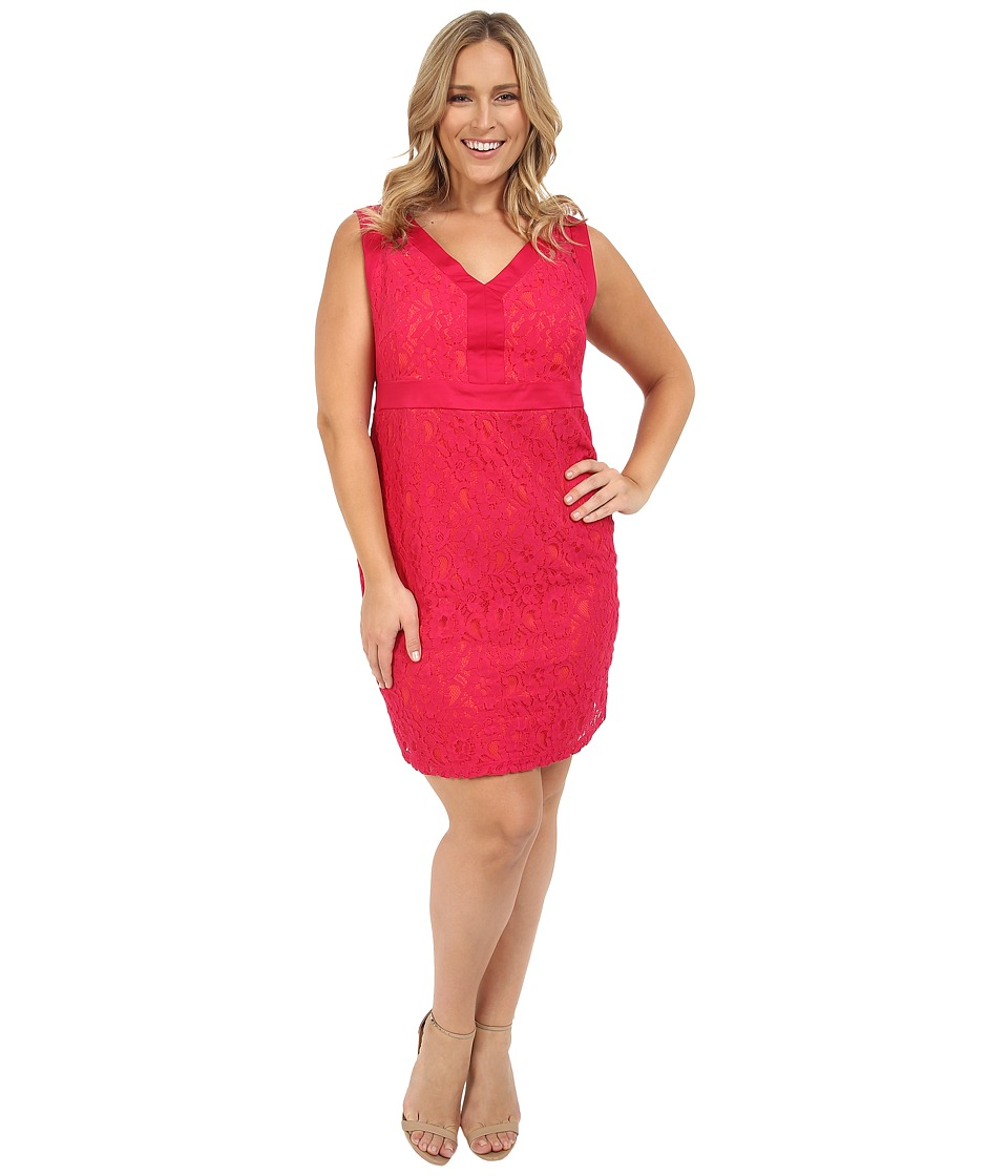 Sangria - Plus Size V-Neck Contrast Lace Sheath (Fuchsia Rose) Women's Dress