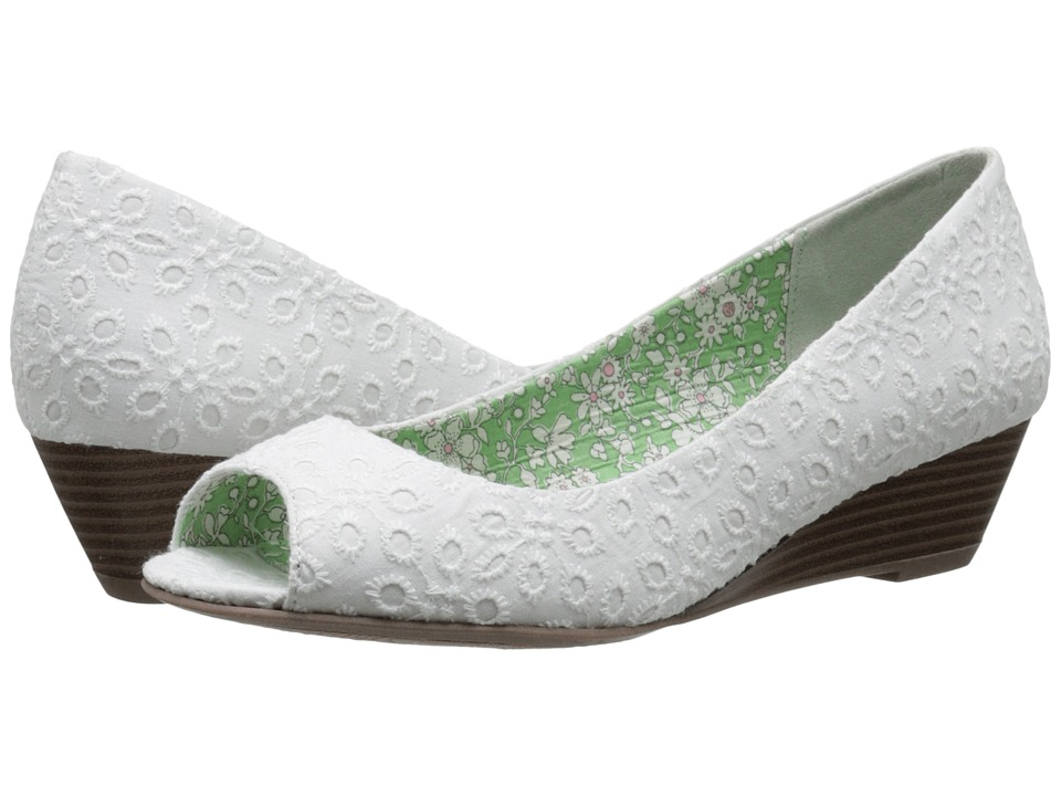 CL By Laundry - Hartley (White Eyelet) Women's Slip on Shoes