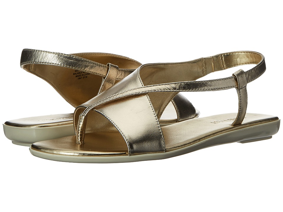 Nine West - Golpher (Light Gold Metallic) Women