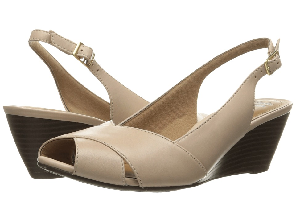 Clarks - Brielle Kae (Nude Leather) Women's Shoes