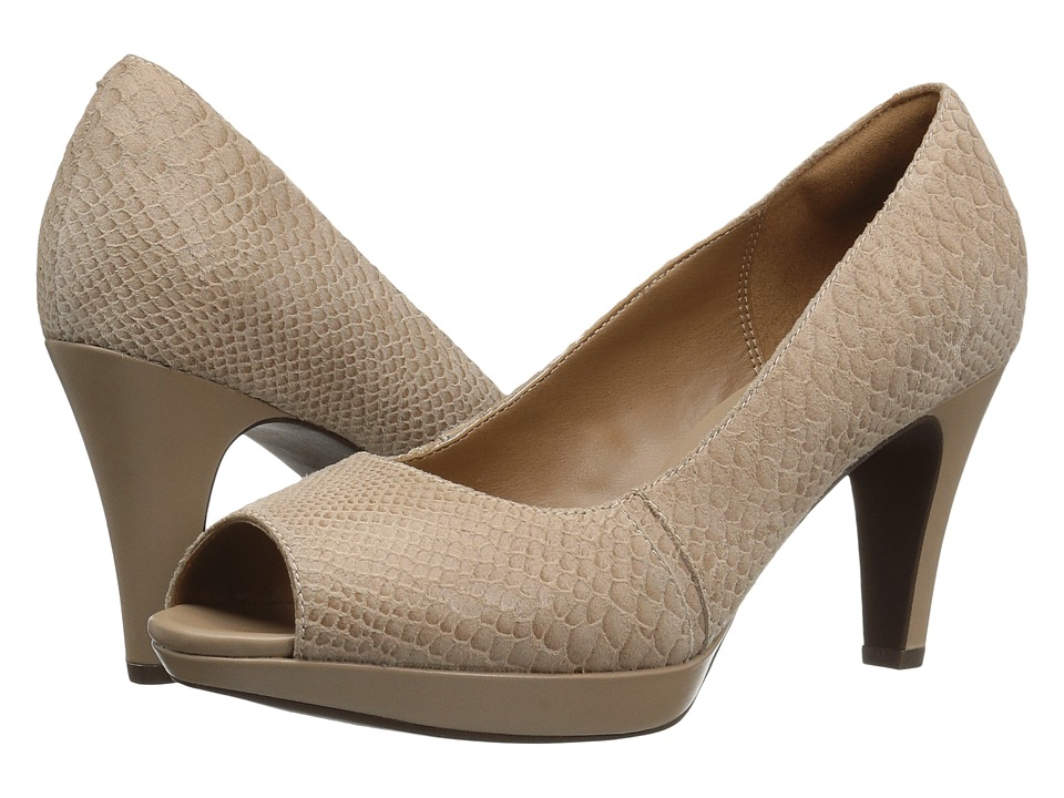 Clarks - Narine Rowe (Sand Snake Print Leather) Women's Shoes