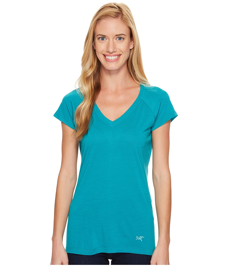 Arc'teryx - A2B V-Neck (Castaway) Women's Clothing