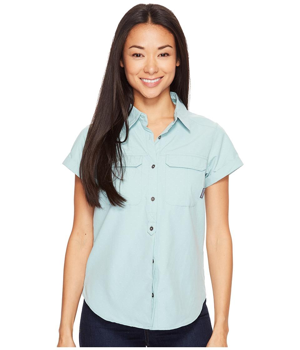 Columbia - Pilsner Peak Novelty Short Sleeve Shirt (Dusty Green Dobby) Women's Short Sleeve Pullover