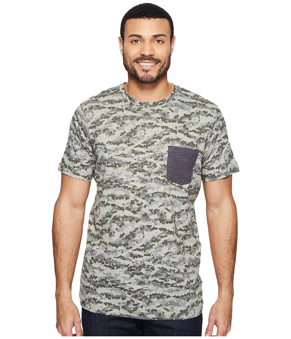 Columbia - Lookout Point Pocket Tee (Cypress Camo/Shark) Men's Short Sleeve Pullover