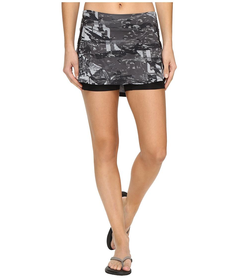 The North Face - Kick Up Dust Skirt (TNF Black Reflective Print (Prior Season)) Women's Skirt