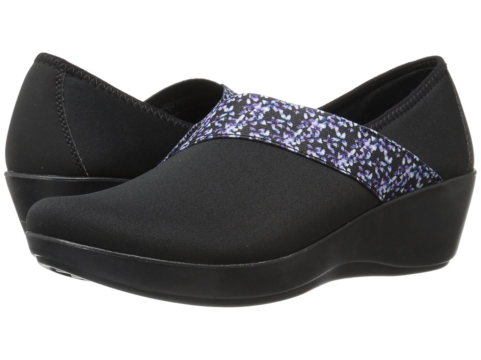 Crocs Busy Day Asymmetrical Graphic Wedge (Black/Floral) Women