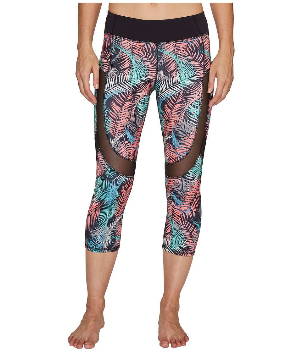 Carve Designs Zephyr Capris (Black Kauai) Women