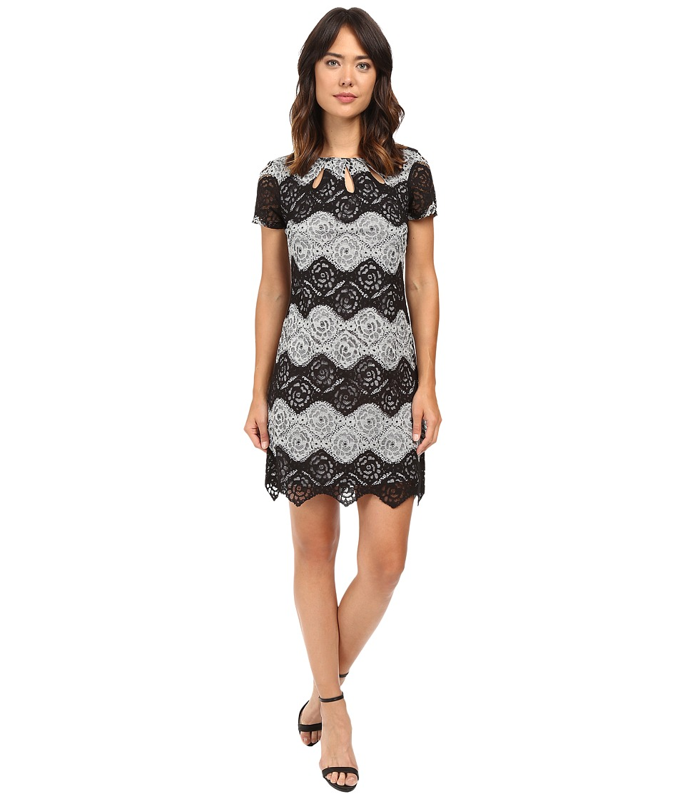 Sangria - Short Sleeve Chevron Stripe Lace Shift (Black/Sterling) Women's Dress