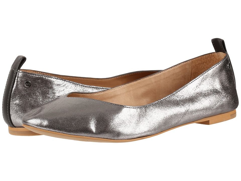 UGG - Lynley Metallic (Aluminum) Women's Flat Shoes