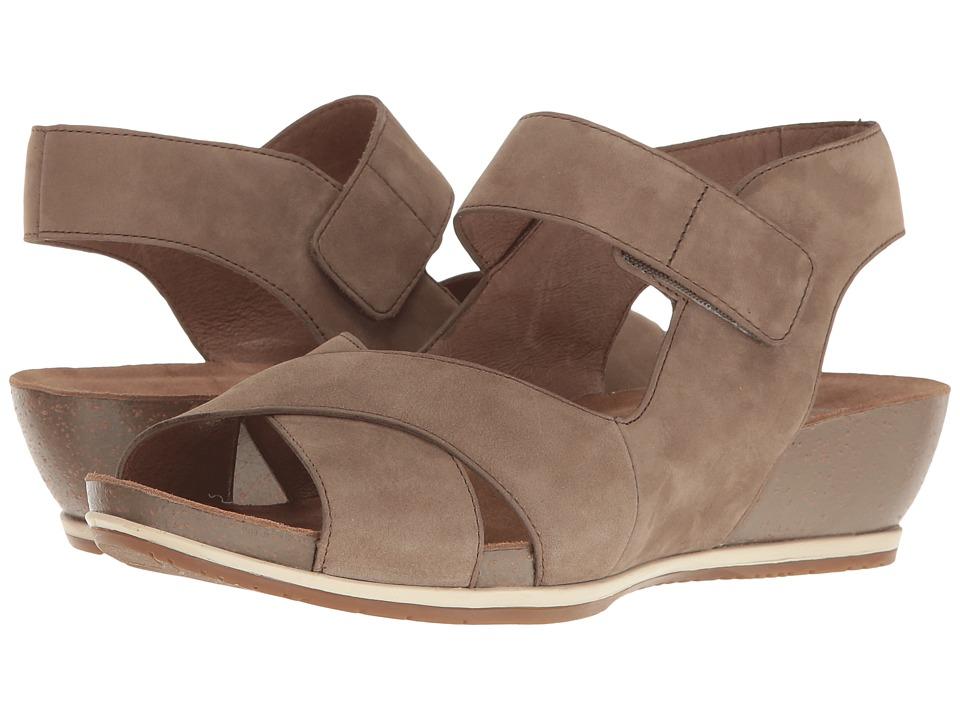 Dansko - Violet (Walnut Nubuck) Women's Shoes