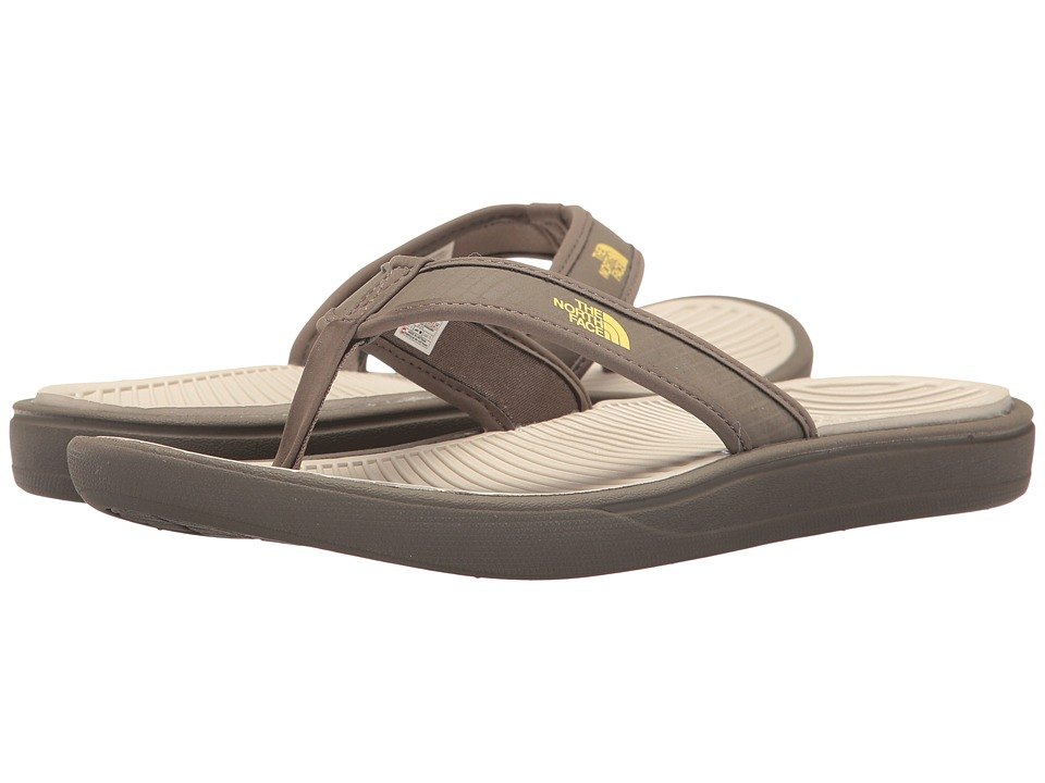 The North Face - Base Camp Lite Flip Flop (Falcon Brown/Rainy Day Ivory (Prior Season)) Men's Sandals