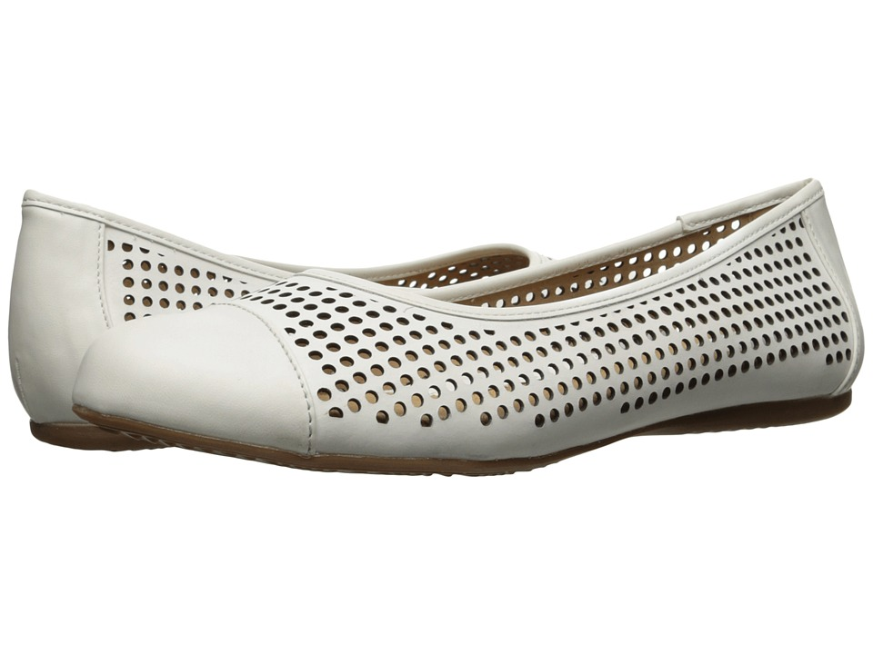SoftWalk - Napa (White) Women's Flat Shoes