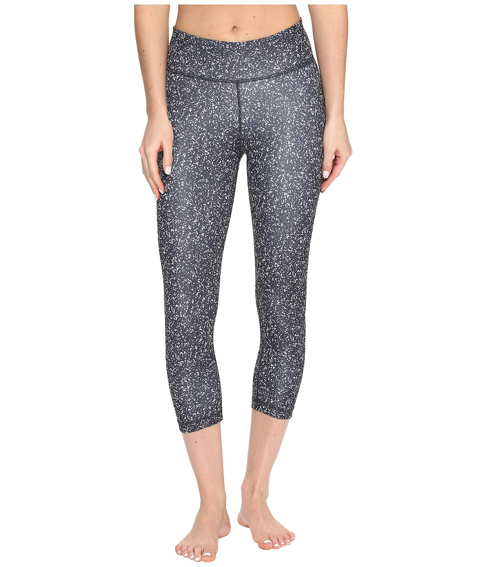 adidas - Designed-2-Move Micro Camo Print 3/4 Tights (Black/Print/Black) Women's Casual Pants
