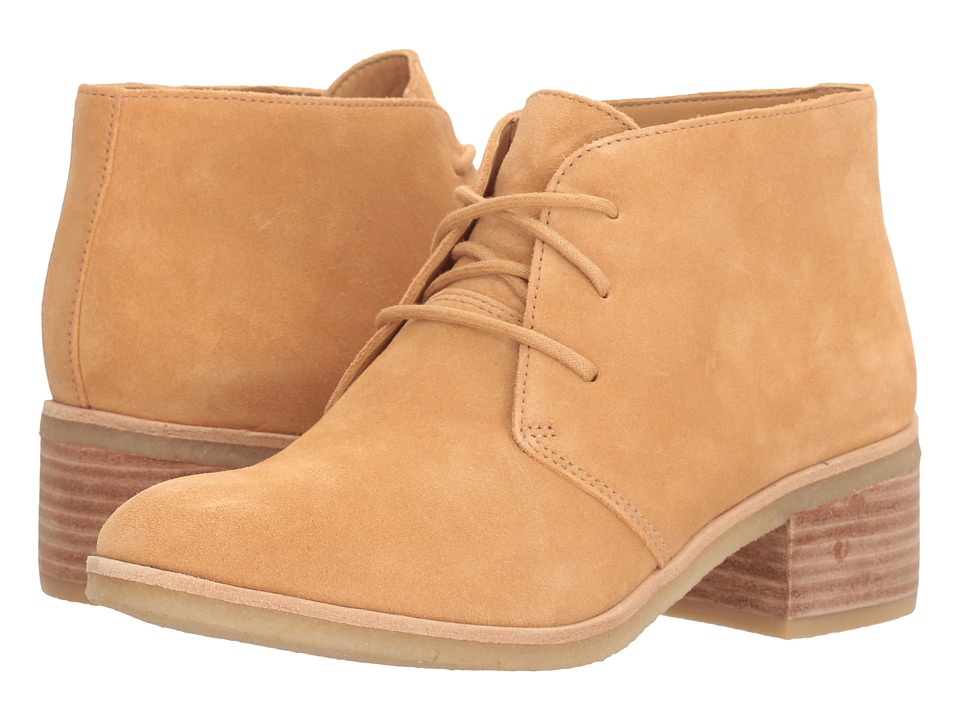 Clarks - Phenia Carnaby (Fudge Suede) Women's Lace-up Boots
