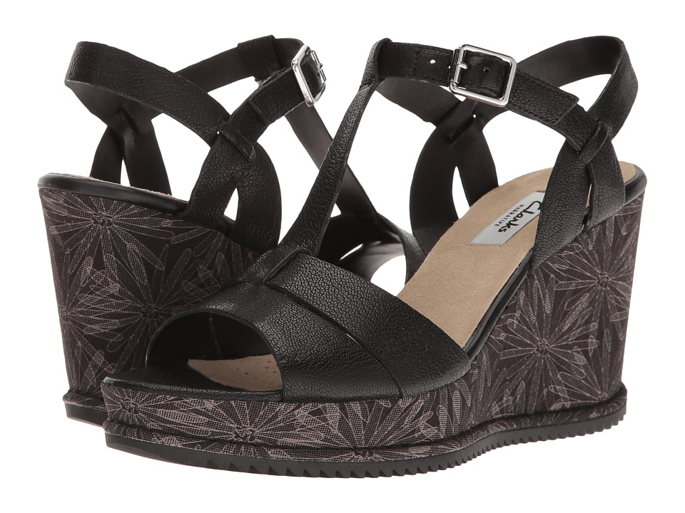 Clarks - Adesha River (Black Leather) Women's Sandals