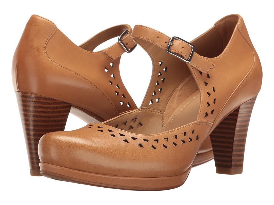 Clarks - Chorus Chime (Light Tan Leather) Women's Shoes