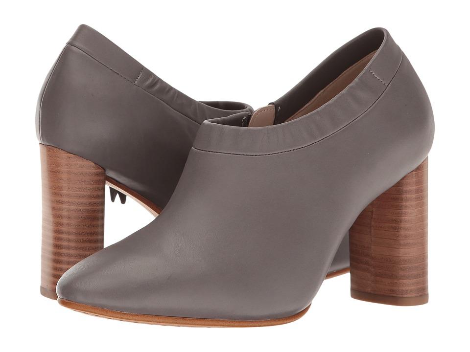 Clarks - Grace Lola (Dark Grey Leather) Women's Shoes