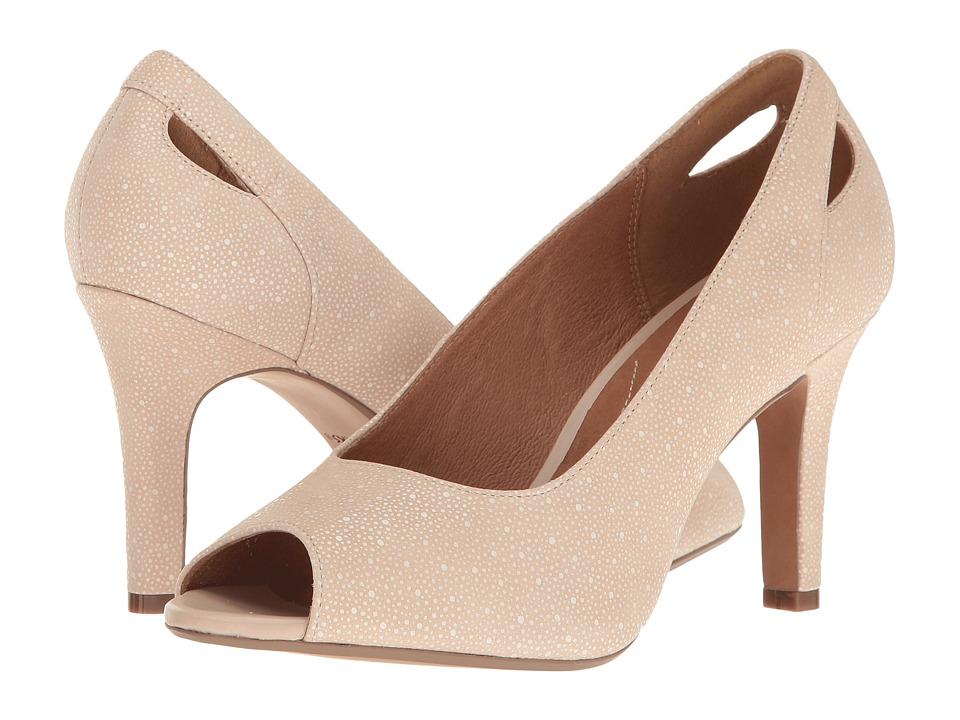 Clarks - Heavenly Maze (Dusty Pink Interest Nubuck) Women's Shoes