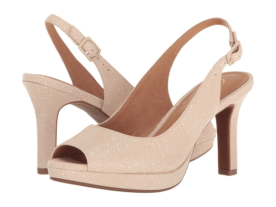 Clarks - Mayra Blossom (Nude Interest Nubuck) Women's Shoes
